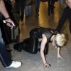 Lady Gaga упала на концерте
