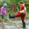 Ребёнок в дождливую погоду
