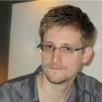 Установили памятник Сноудену