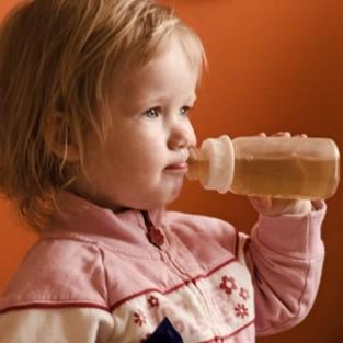 Когда отказываться от бутылочки